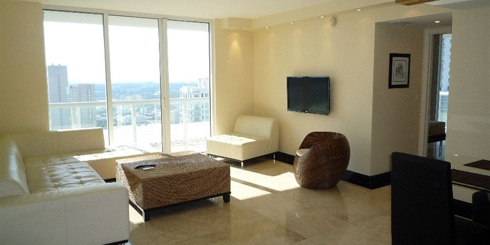 living con sillones 50 biscayne